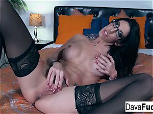super hot brown-haired Dava plays with her tight gash