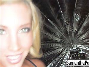 Samantha Saint taunts