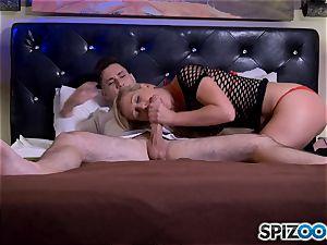salami globbering platinum-blonde milf Cherie Deville