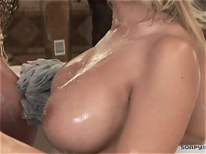 Madison Ivy gives a flawless blow-job