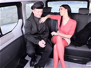 torn up IN TRAFFIC - stunning Russian stunner romped in the car