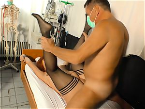 gonzo Omas - Mature German pounded by doctor in his office