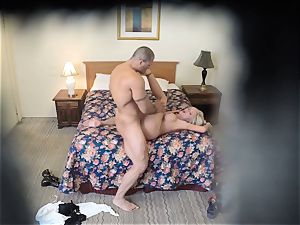 kinky Nina Elle pokes her man at the hotel