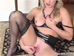 blondie finger penetrates raw vagina in girdle antique nylons