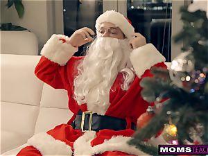 Santa's ultra-kinky Helpers In Christmas 3some S9:E7