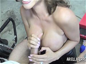 Ariella Ferrera pays the bills with her warm boink slot