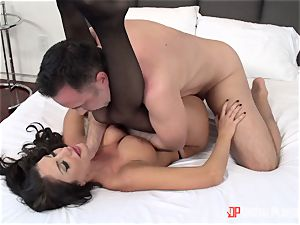 Creaming on the face of August Ames after a warm hard pussy thrashing