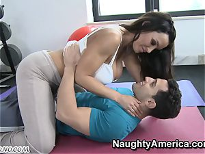 corporal Education lessons with buxom mummy Lisa Ann
