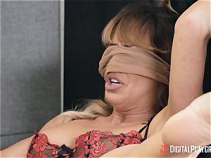 mummy Cherie Deville gets her vagina eaten in her office by Gianna Dior