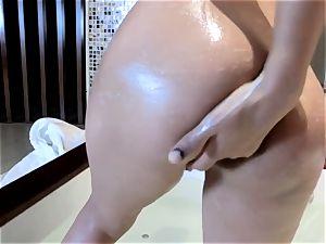 chinese honey in bath