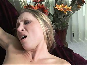 harsh Devon Lee shoves this rock-hard man meat down her mouth