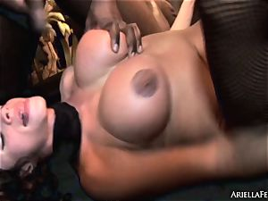 naughty Ariella Ferrera is wedged up her raw cootchie