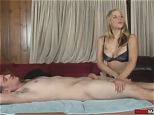 customer Shocks To watch The stunning blondie masseuse