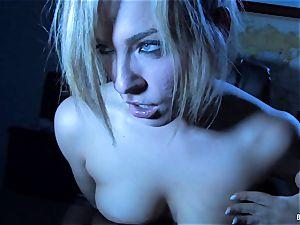 Nighttime masturbation with ash-blonde stunner Dahlia Sky