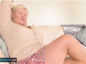 EuropeMature aged gals Amy and Lacey toys solo