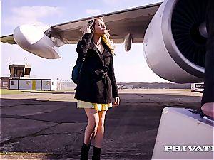 Private.com poking on a plane