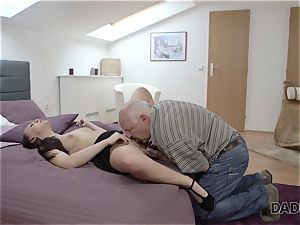 DADDY4K. daddy and young woman red-hot fucky-fucky in bed culminates with internal cumshot