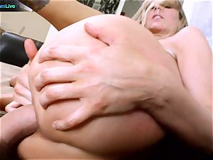 Julia Ann getting her wide open slot opened up