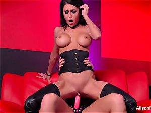 Alison Tyler screws Jessica Jaymes with a strap-on